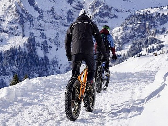 Mountain Biken im Schnee